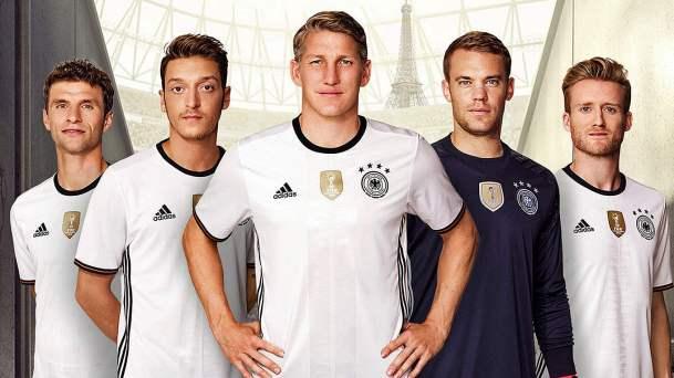 Adidas paga EUR200 milhões para seguir patrocinando Alemanha  80e69984eb4c7