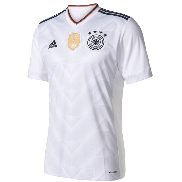 Os alemães farão a estreia do novo uniforme na partida pelas eliminatórias  europeias contra San Marino 69eb46c9691f9